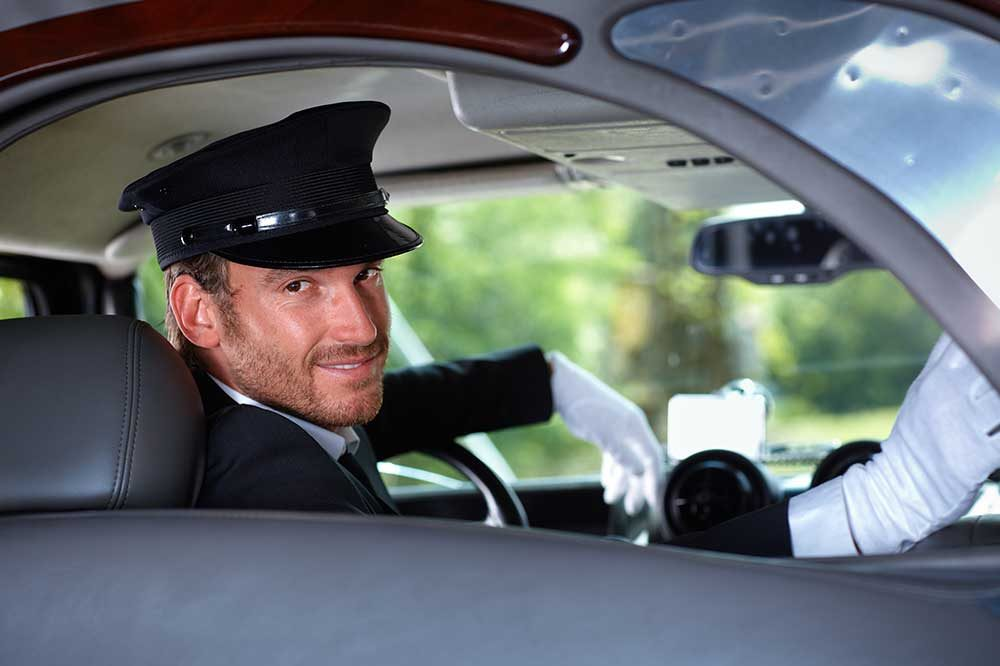 how much should i tip a limo driver or chauffeur