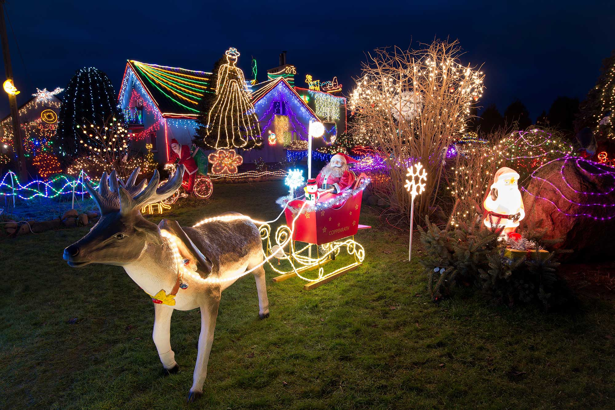 Visit the Best Places for Christmas Lights in Houston Part e