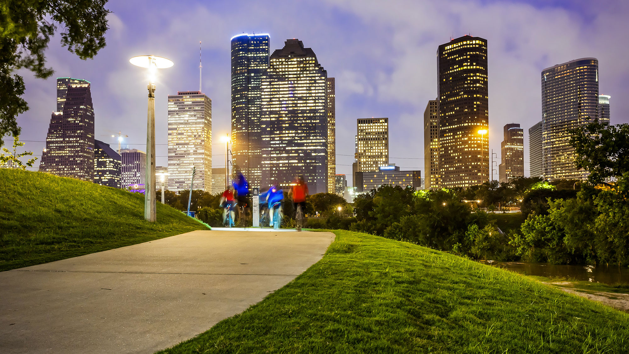 h-town-fun-top-places-tourists-need-to-go-this-summer