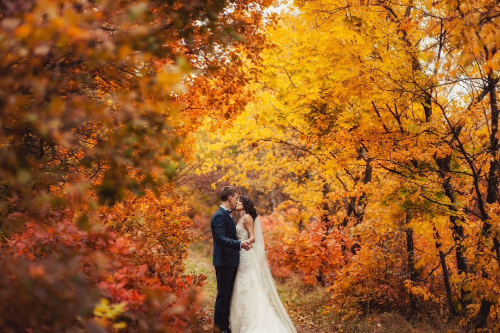 top-spots-for-fall-weddings
