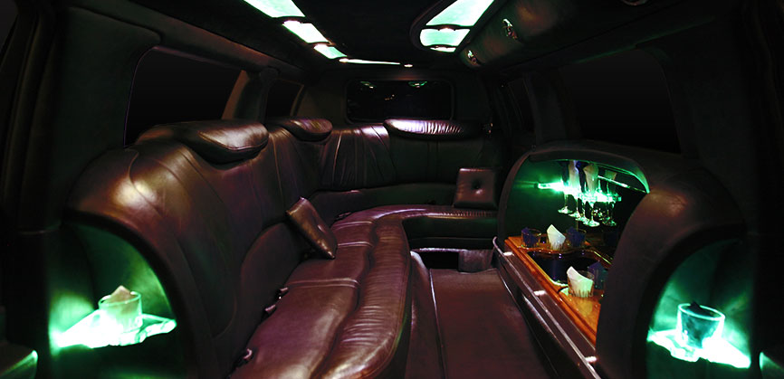 Lincoln Town Car Stretch Limo - Black