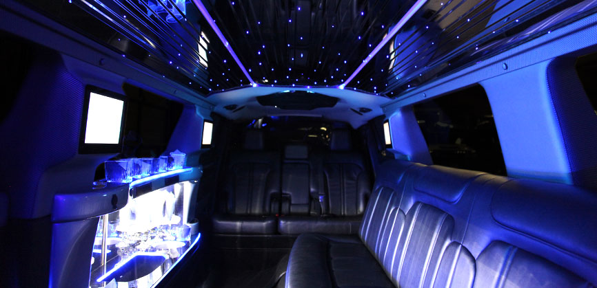 Lincoln Town Car Stretch Limo - White