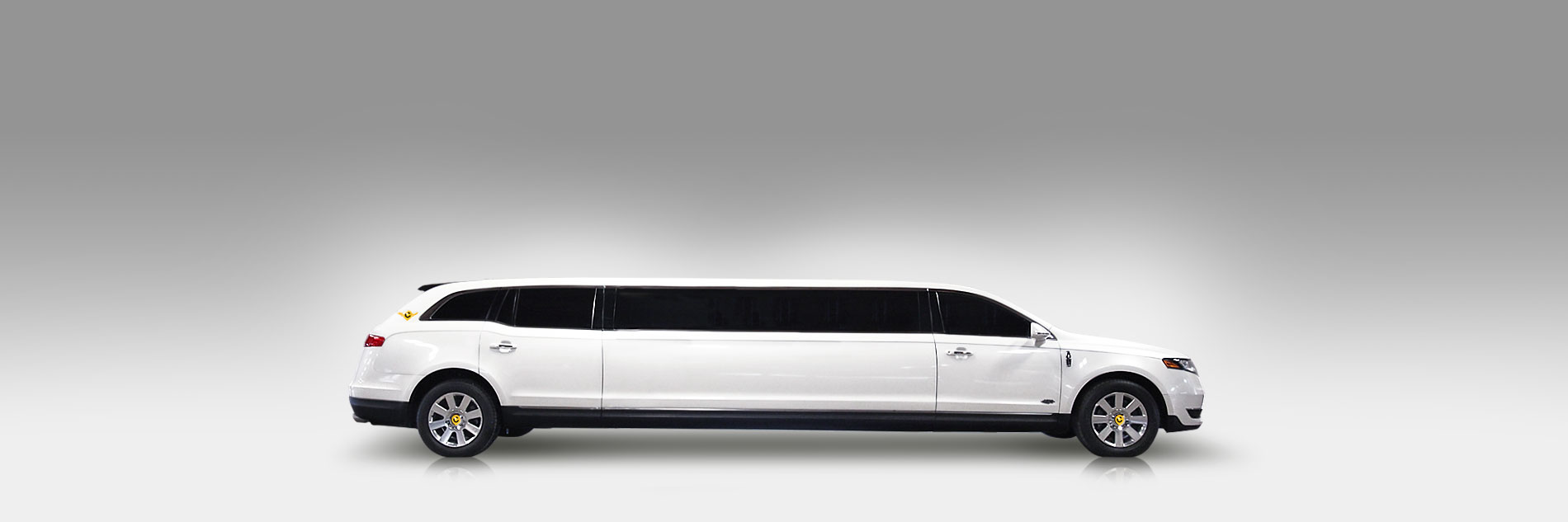 Lincoln Stretch Limo White - Colony Limo Service Houston